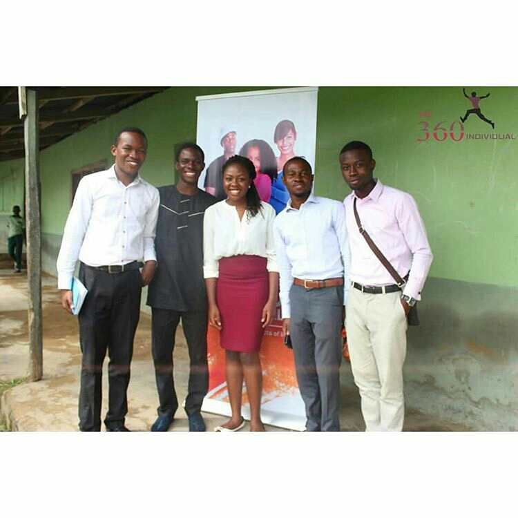 Temi (middle) with some of HOC volunteers